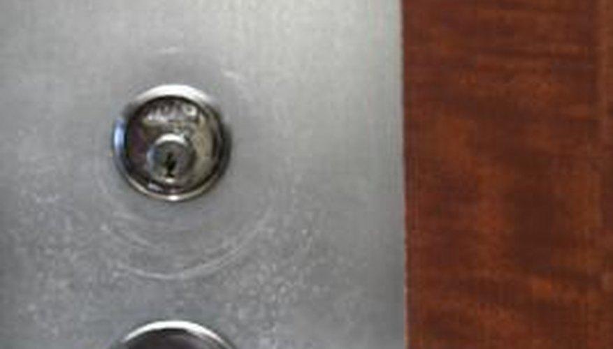 Dimango chimes make a sound when a person comes through the door.