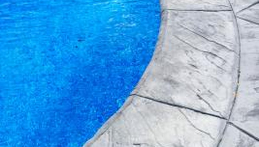 Poured-concrete pool edging