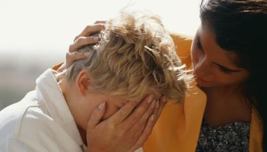 Providing support is the best way to comfort a crying woman.