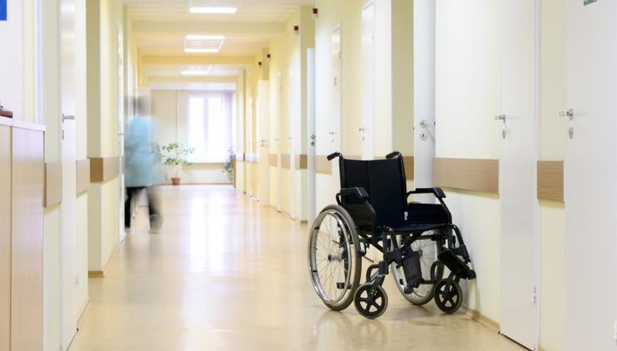 How to Volunteer at a Nursing Home | Bizfluent