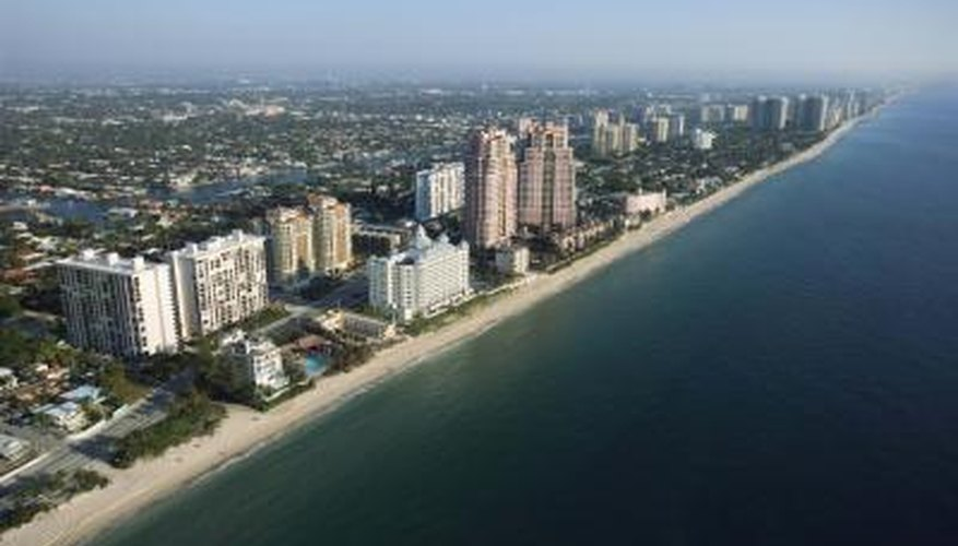 Many romantic sites are near Fort Lauderdale's bustling waterfront or downtown region.