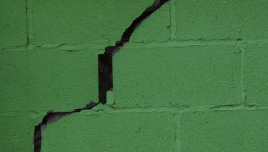 Masonry Fillers Repair Damaged Concrete Dependably Patching Diffe Sizes Of Holes In Blocks