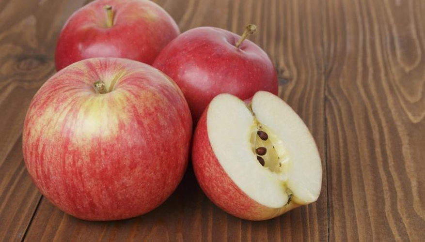 Brown seeds are one sign that a Gala apple is ready for harvesting.