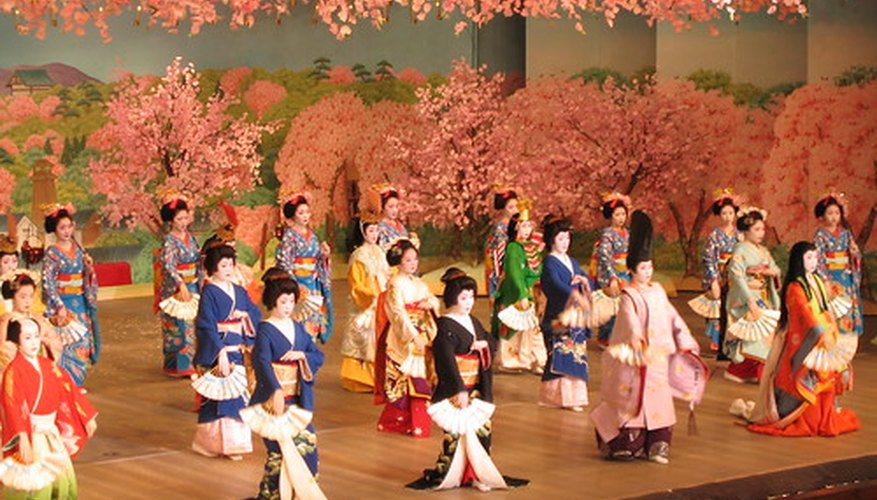 Katsura trees are depicted in the background of this painting.