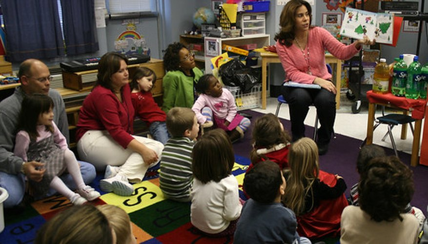 Las clases de paternidad ayudan a los padres a guiar, motivar y disciplinar a sus hijos.