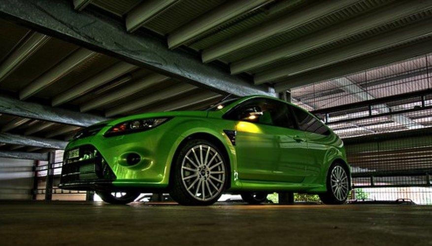 El Ford Focus RS a 300 caballos de fuerza es uno de los vehículos con FWD más poderosos que se hayan hecho.