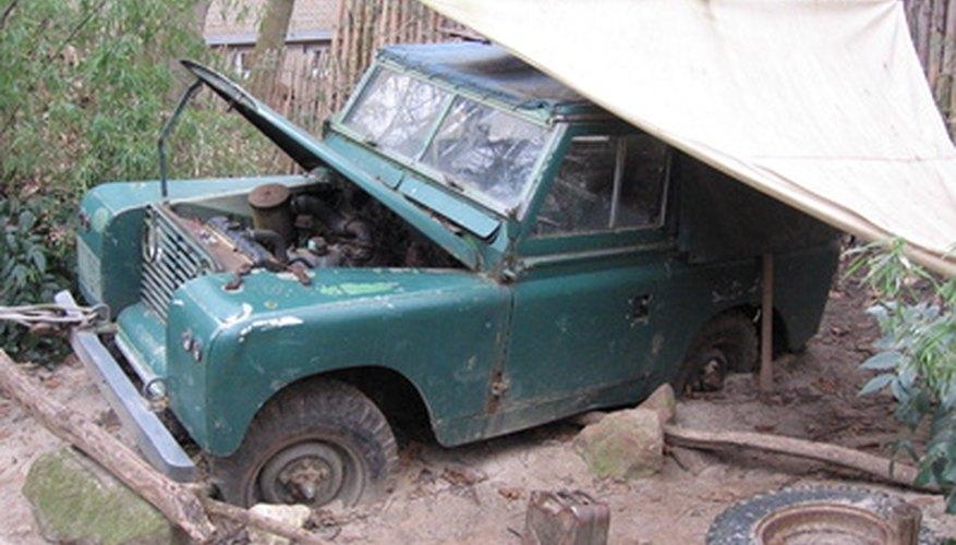 Cambiar las bujías de encendido es un elemento importante de una afinación de Jeep estándar.