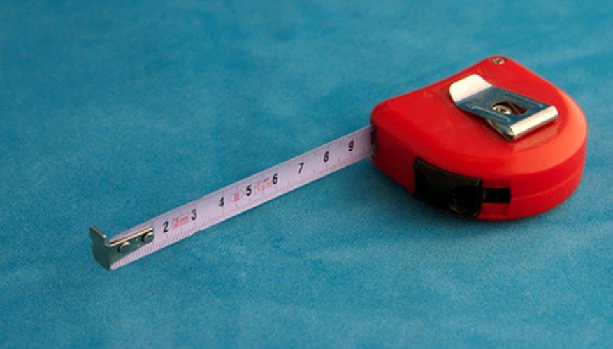 Un metro es una herramienta común para medir el área.