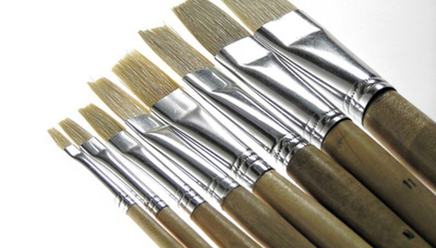 Puedes utilizar casi cualquier tipo de pincel como pluma para caligrafía.