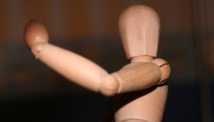 Conecta el brazo y el torso para que se ajusten de forma natural.