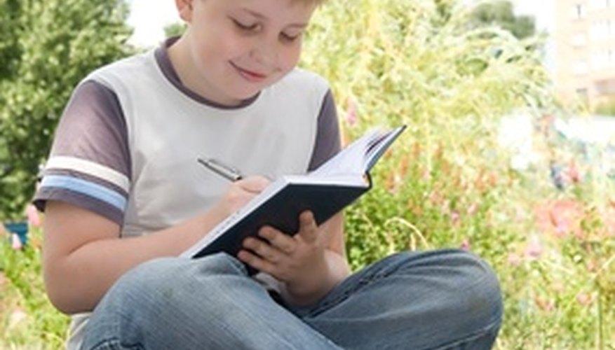 Escribir listas ayuda al niño a hacer lluvia de ideas.