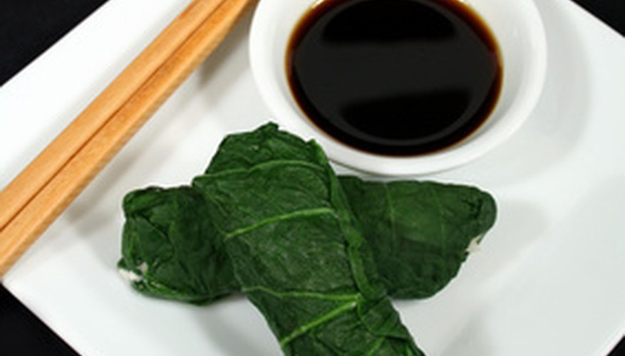 Tatsoi leaves for dipping in a traditional Chinese meal
