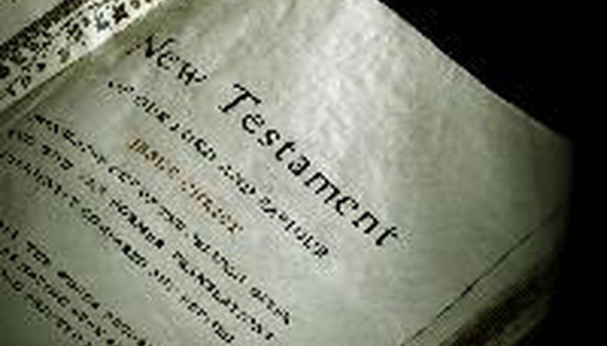 Los títulos de libros sagrados, como la Biblia, no se escriben en cursiva ni entre comillas.