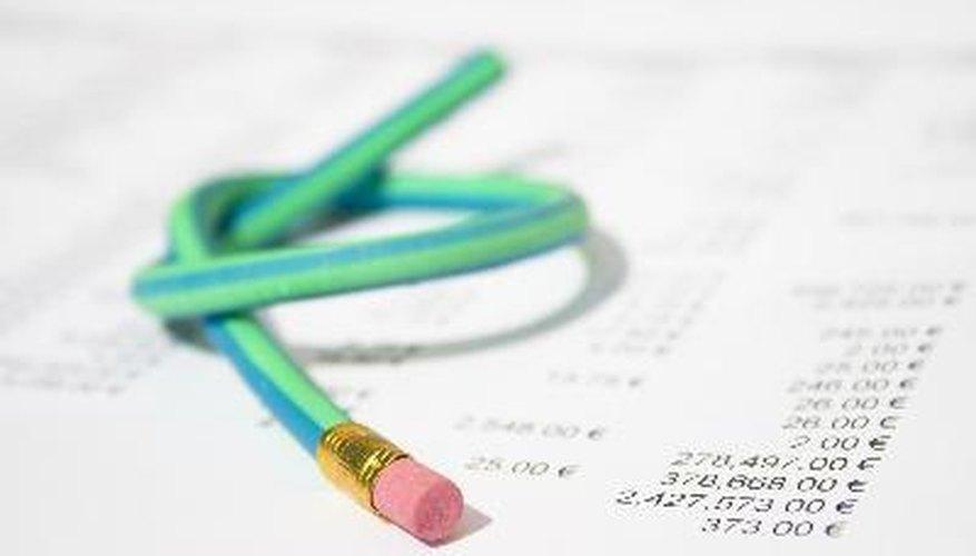 Existen cuatro fases básicas en la contabilidad: el registro, la clasificación, la síntesis, y la interpretación de los datos financieros.