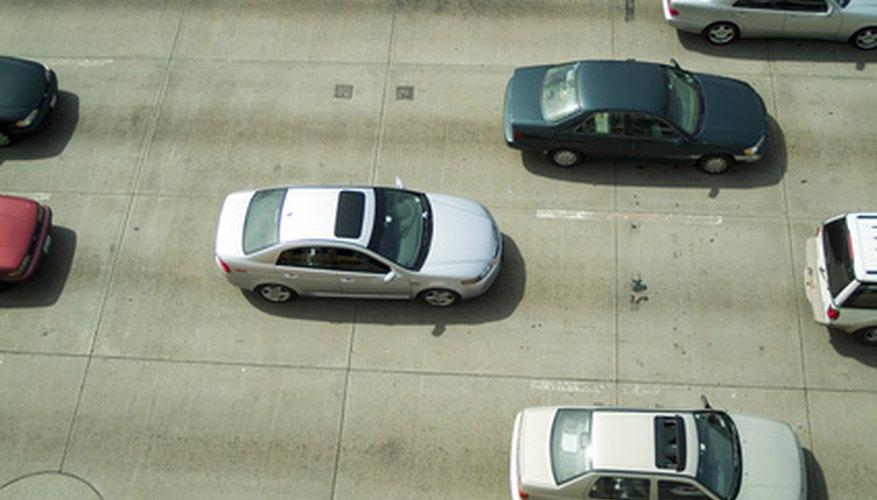 Muchos automóviles tienen una transmisión controlada por computadora.