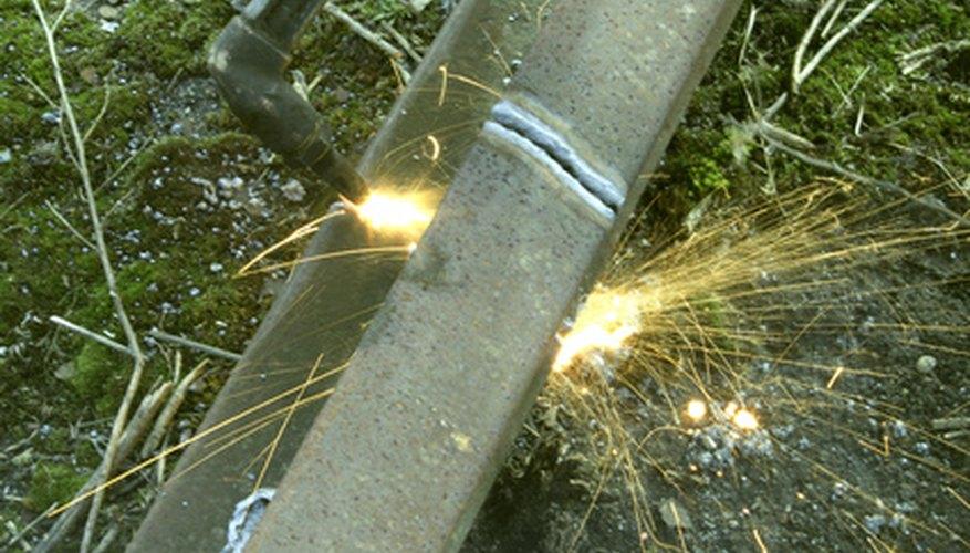 Conocer los metales específicos que sueldan entre sí es importante para realizar un trabajo de soldadura.