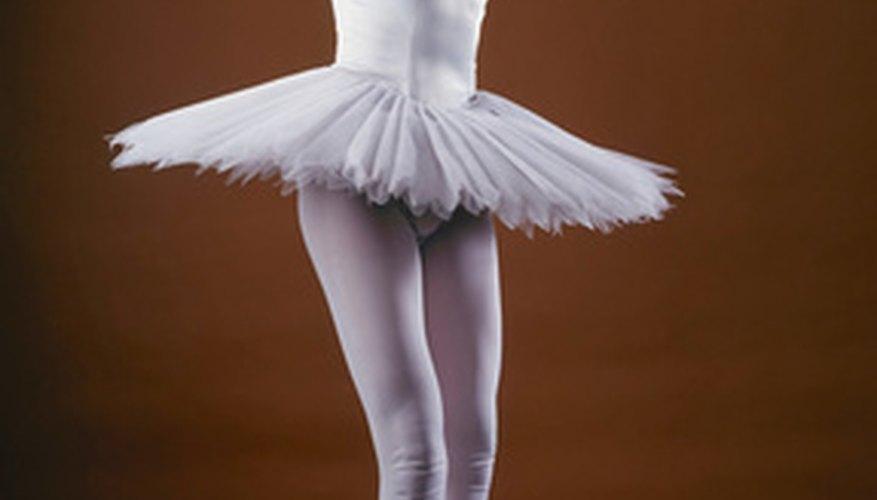 Los icónicos tutús de ballet nos permiten ver la intricada coreografía.