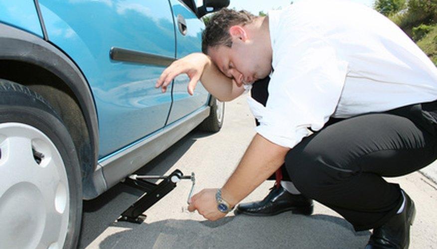 El costo de reparar un pinchazo depende del método utilizado y del tipo de daño.
