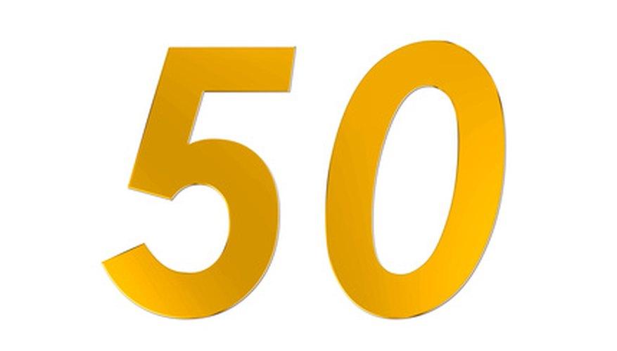 Celebra un cumpleaños número 50 con juegos divertidos.