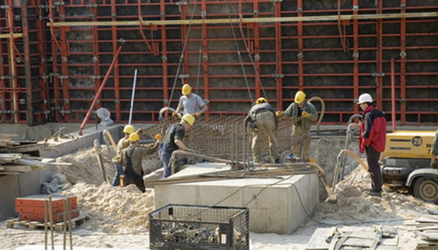General contractors oversee construction projects of all sizes.