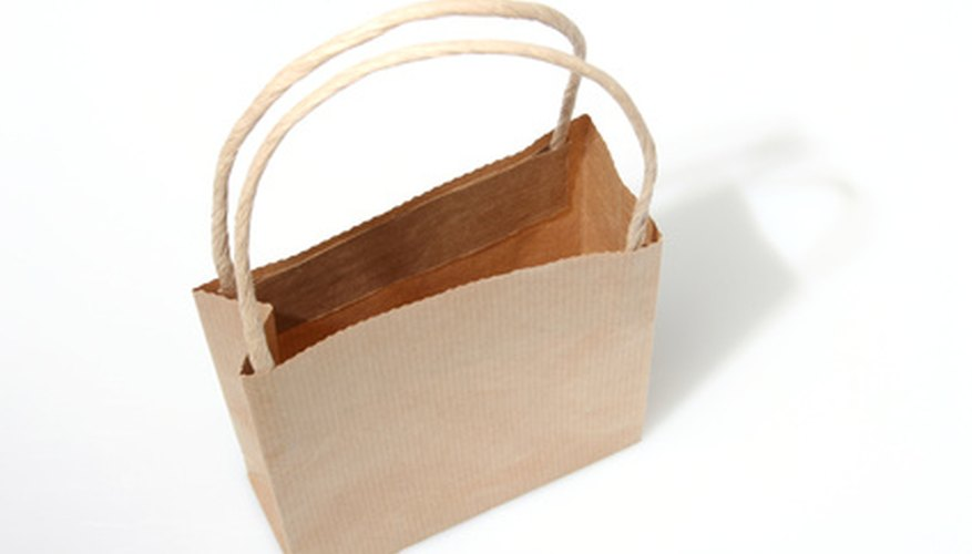 Haz un chaleco estilo occidental de una bolsa de papel marrón.