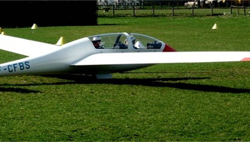 Los planeadores de madera de balsa suelen estar basados en los diseños de un planeador de tamaño real.