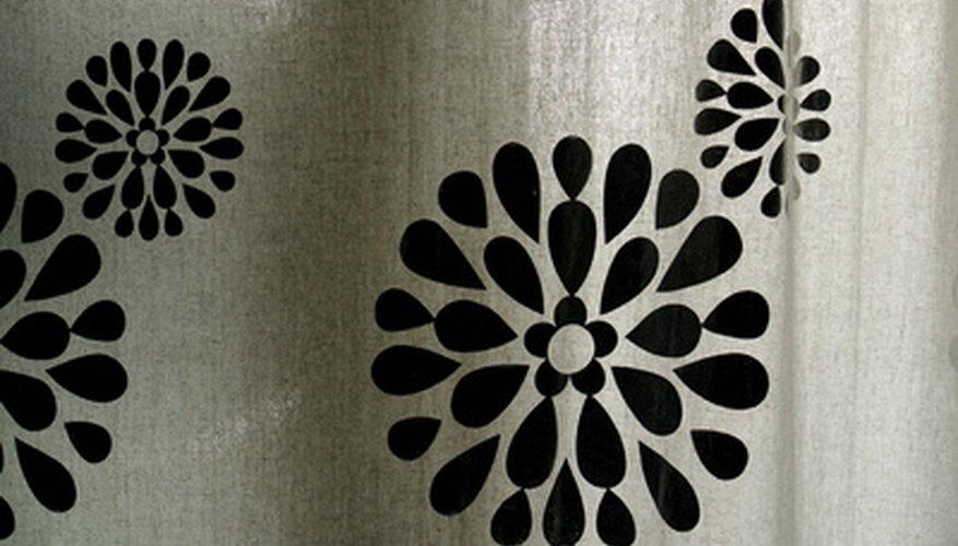 Selecciona el forro de cortina para el baño, que mejor se adapte a tus necesidades.