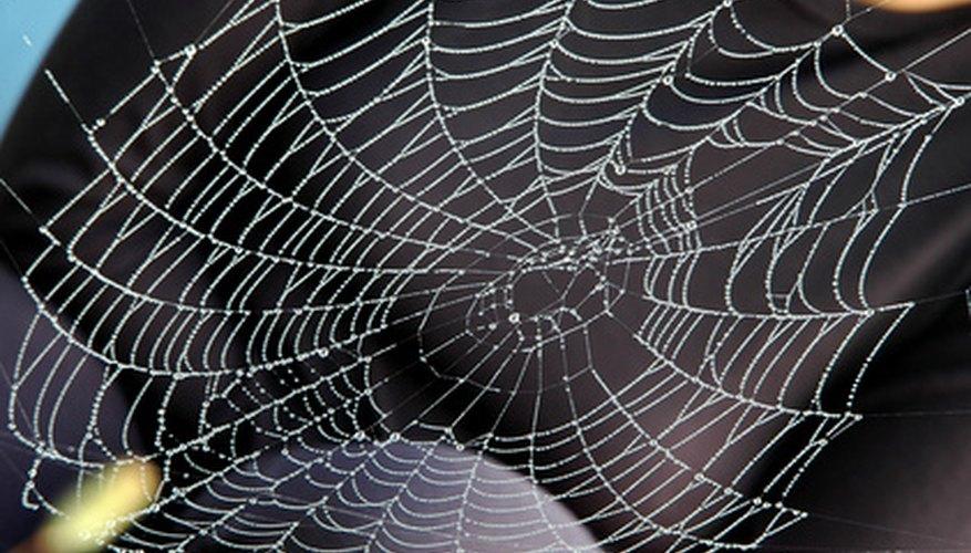 Existen varias formas de decorar una fiesta del Hombre Araña.