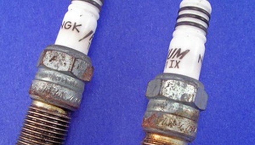 Unas bujías envejecidas y desgastadas hieren el rendimiento del motor.