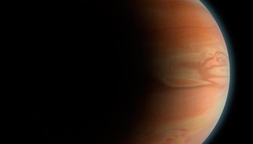 El planeta Júpiter es uno de los cuatro planetas en el Sistema Solar, compuesto principalmente de gases.