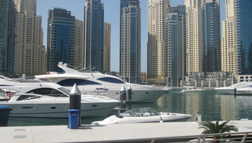 Abrir un negocio en los Emiratos Árabes Unidos requiere de la ayuda de un buen abogado.