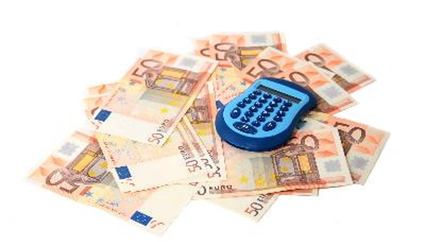 Las inversiones de bajo riesgo proveen una poca posibilidad de perder el dinero invertido.