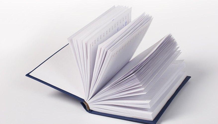 Comparar un libro con su versión fílmica es muy sencillo.