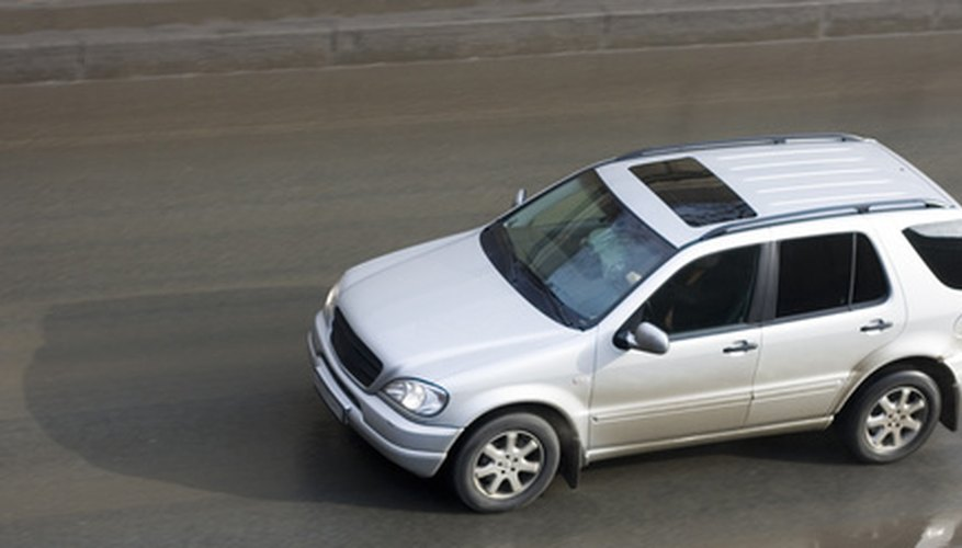Un portaequipajes te permite trasportar elementos en tu Honda CR-V.