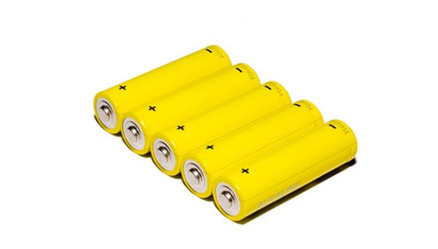 Conecta baterías recargables en paralelo para construir un paquete de baterías de larga duración.