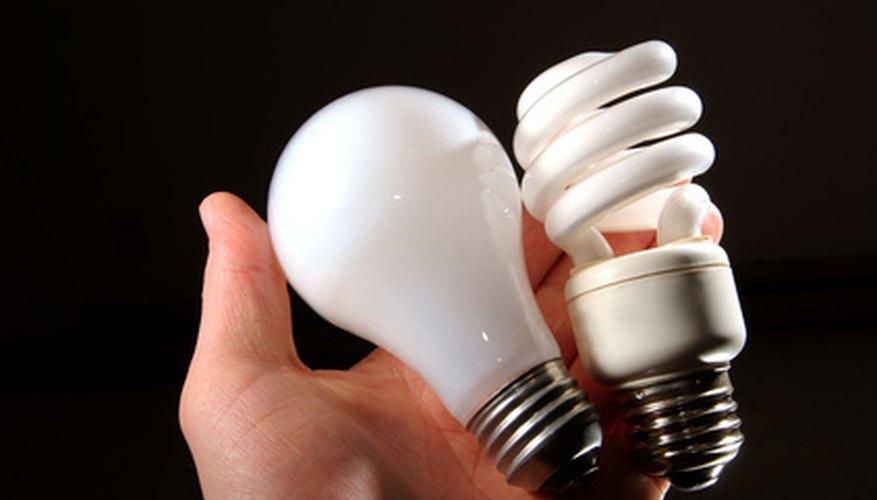 Las bombillas de luz natural y las de color blanco suave están disponibles como incandescentes y LCD.