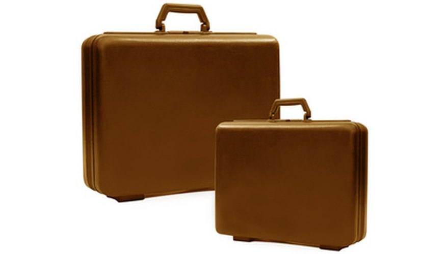 Your combination will by default be set to 0-0-0 at the Samsonite factory.