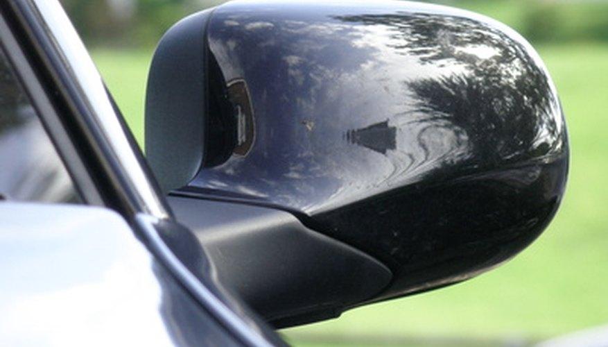 Los vehículos negros muestran más las imperfecciones en su superficie.