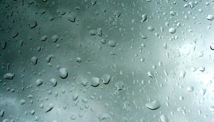La condensación es un problema común en los autos que puede solucionarse con un desempañador.
