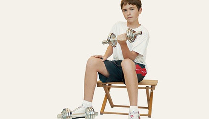 Los niños pequeños pueden aprender más fácilmente las partes del cuerpo con proyectos manuales.