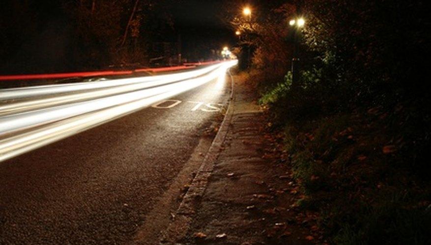 Revisa que tu Dodge Caravan tenga luces delanteras en óptimo estado por lo menos dos veces al año.