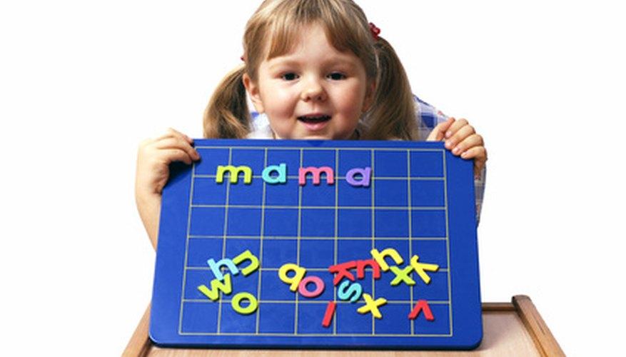 Cómo enseñarle a los niños de primer grado a leer y reconocer combinaciones.