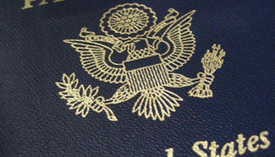 Las mejores falsificaciones son las que utilizan pasaportes legítimos con información falsa.