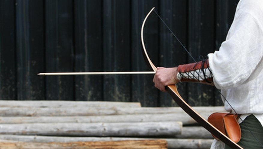 Arcos y flechas de madera de calidad deberían ser hechas de madora derecha y firme.