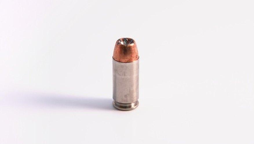 Una bala es el proyectil disparado por un arma de fuego.