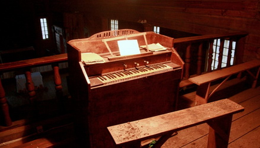 Electric organs came before electric pianos
