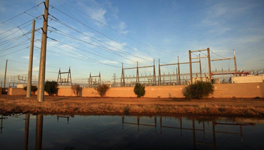 Las subestaciones eléctricas pueden contener una amplia variedad de componentes.