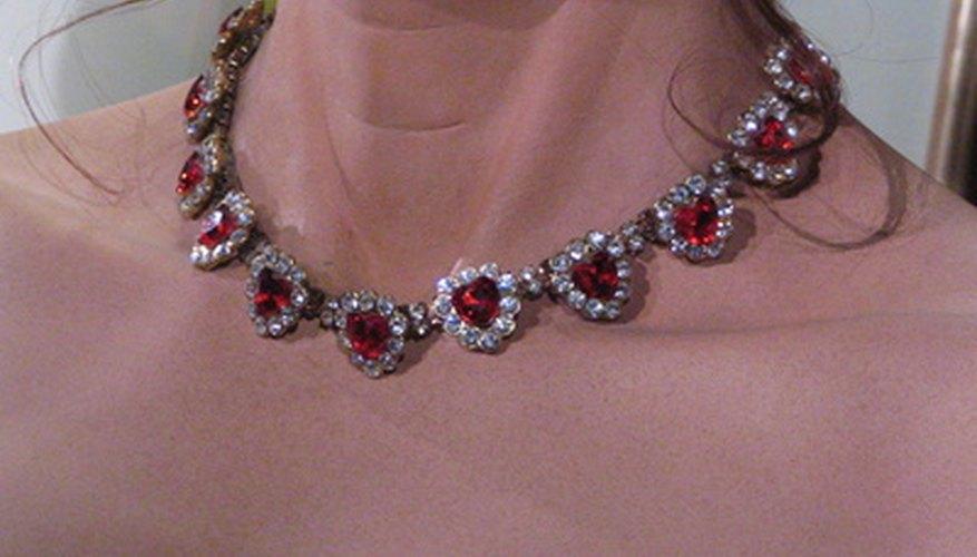 Los rubíes suelen encontrarse en cortes exóticos.