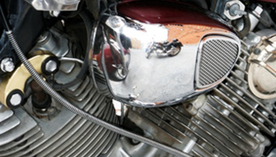 La mayoría de motocicletas albergan sus alternadores en el lado izquierdo del motor.