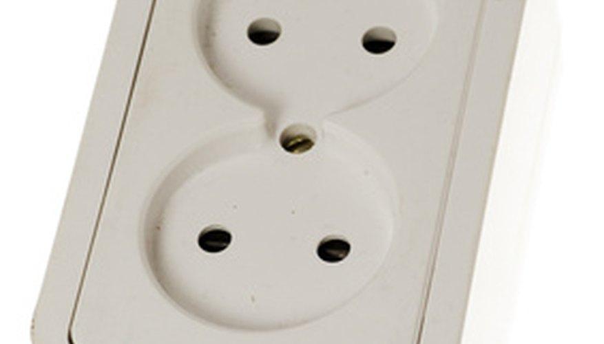 Esta toma de corriente eléctrica acepta dos enchufes franceses.